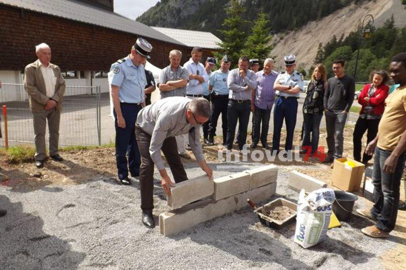 Première pierre gendarmerie