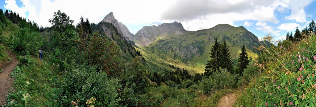 Panoramique depuis Tinderets © Patrick Brault - Abondance