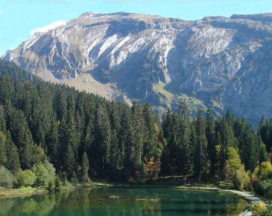 Le lac des mines d'or et la tête de Bossetan
