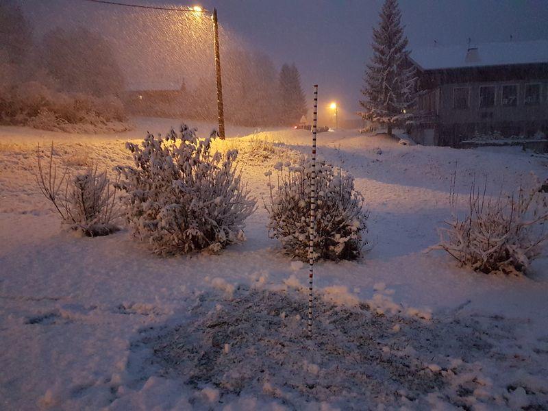Echelle à neige du 6 novembre 2016 © valdabondance.com