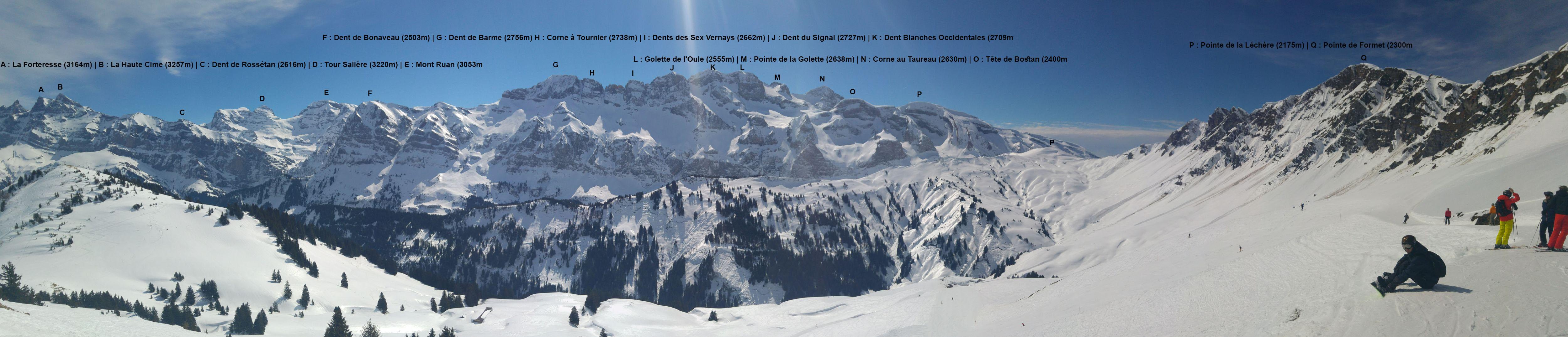 Depuis le sommet du téléski Ripaille 2, un très beau panorama s'ouvre sur le Grand Paradis. Photo : valdabondance.com © B. Guffroy